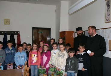 Подела васкршњих пакетића на Косову и Метохији