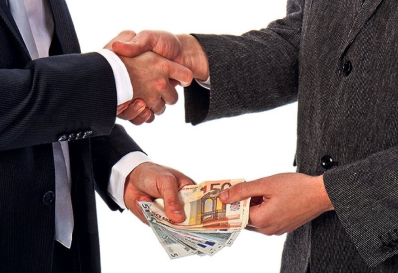 mito-korupcija-politicari-politika.jpg