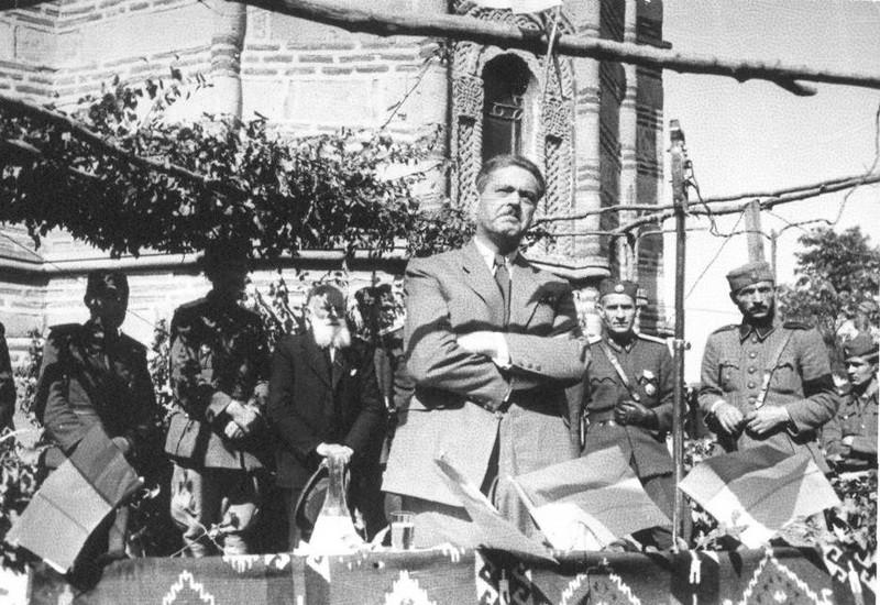 dimitrije-ljotic-zbor-u-krusevcu-1943.jpg